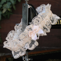Ivory lace bridal garter - medium