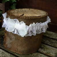 Vintage Lace Wedding Garter - size:Medium