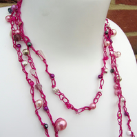 Festival crochet necklace in shades of pink