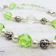 Necklace for spring in green cream sterling silver clasp