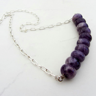 Bar style necklace with gemstone Amethyst