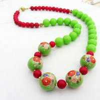Colour block necklace in red and green