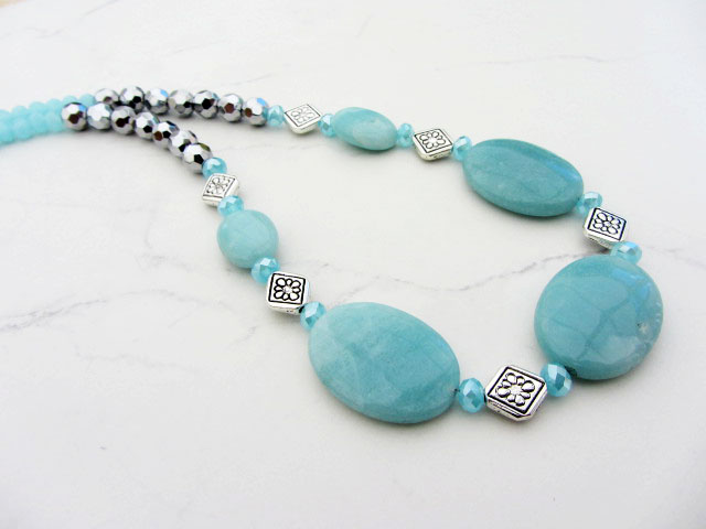 Necklace with Amazonite oval beads and faceted silver beads