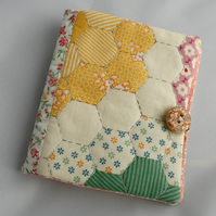 Sewing needle case - patchwork quilt