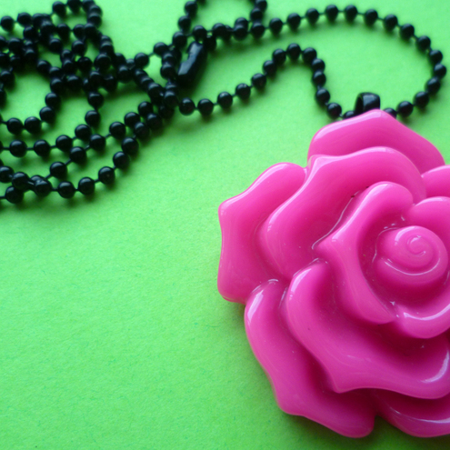 BALL CHAIN PENDANT Hot Pink Rose