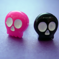 CUTE STUD EARRINGS Pink and Black Skulls