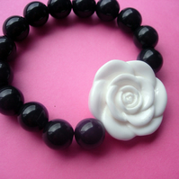 CHUNKY BRACELET Black with White Rose