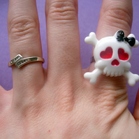 RING Skull with Hearts