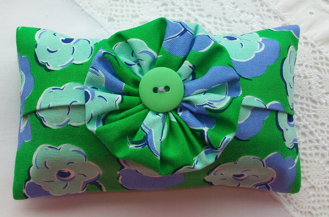 Pocket tissue holder - blue and green poppy