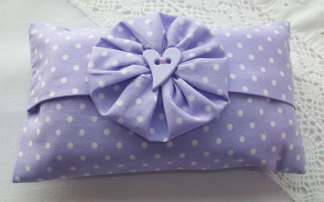 Pocket tissue holder - lilac and white spot