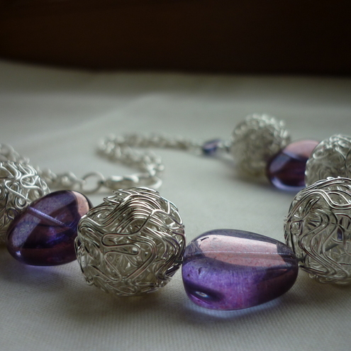 PURPLE IRIS AND SILVER WIREBALL NECKLACE.  261