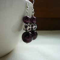 AUBERGINE AND SILVER RHINESTONE EARRINGS.  792