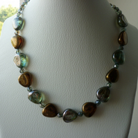 CHUNKY MOSS GREEN AND BRONZE NECKLACE.  816
