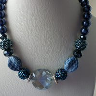BLUES AND SILVER CHUNKY NECKLACE.  727