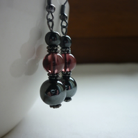 HEMATITE AND AMETHYST DROP EARRINGS.  746