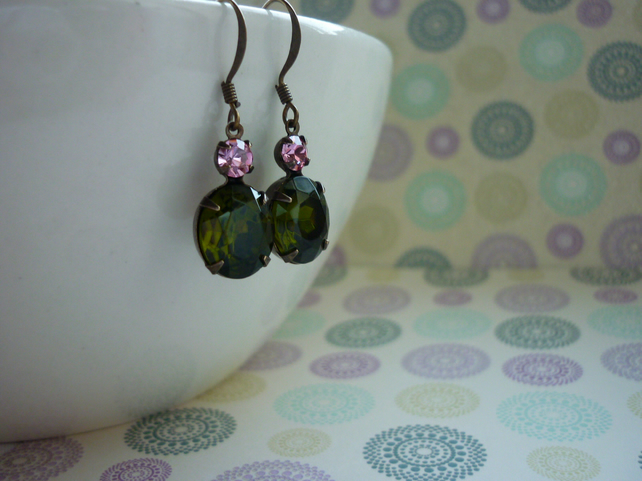 OLIVINE GREEN AND LIGHT ROSE PINK, PATINA BRASS RHINESTONE EARRINGS.  972