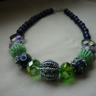 PURPLE & GREEN CHUNKY NECKLACE.  1013