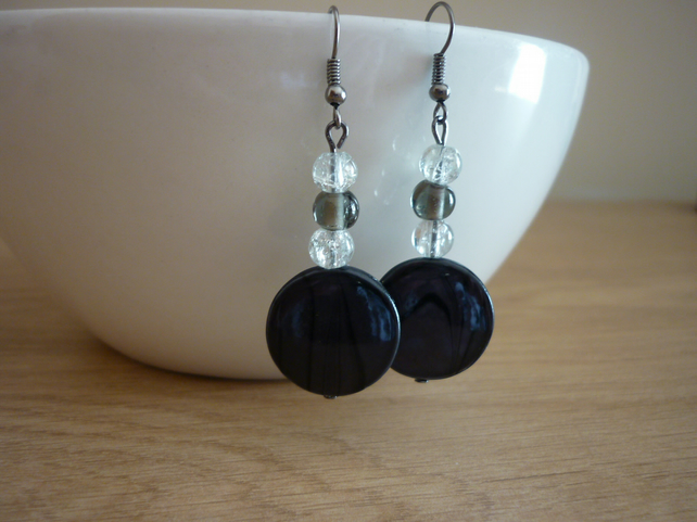 CHARCOAL GREY AND CRYSTAL MOTHER OF PEARL EARRINGS.