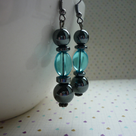 HEMATITE AND AQUA DANGLE EARRINGS.
