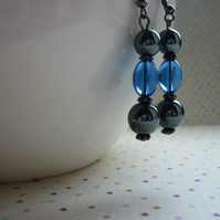 SAPPHIRE BLUE AND HEMATITE DROP EARRINGS.