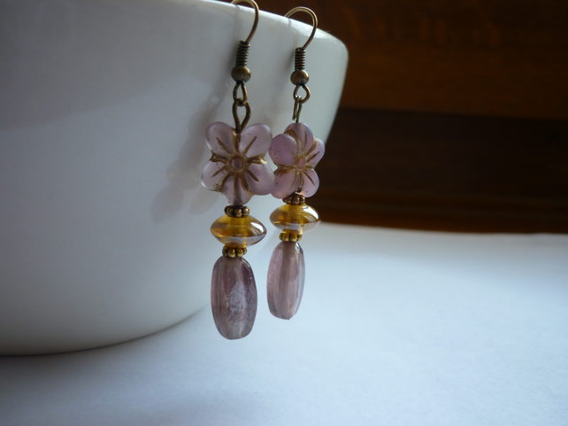 DUSTY PINK, GOLD AND BRONZE FLOWER EARRINGS.