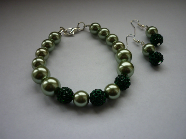 SHADES OF GREEN AND SILVER - PEARL AND PAVE BEADS BRACELET AND EARRING SET.