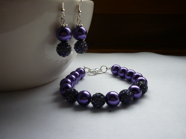 PURPLE AND SILVER, PEAR AND PAVE BEAD BRACELET AND EARRING SET.