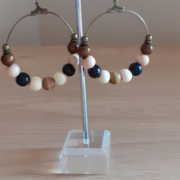 BOOHOO STYLE HOOP EARRINGS - ANTIQUE BRONZE AND WOODEN BEADS.
