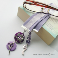Sewing bookmark