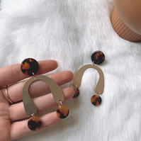 Gold Horseshoe and Tortoise Shell Earrings
