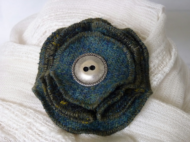 Harris Tweed Folded Four Layer Brooch - Green & Gold Check