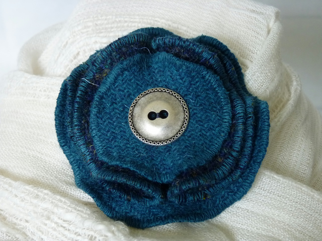 Harris Tweed Folded Four Layer Brooch - Teal & Navy Small Check