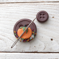 Pumpkin magnetic needle minder