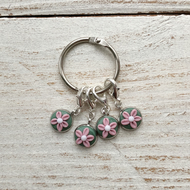flower progress keepers, stitch markers