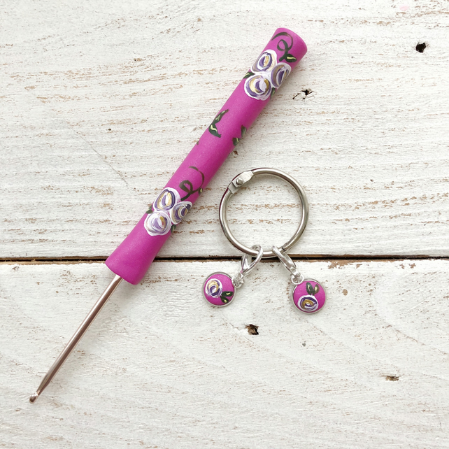 3mm vintage rose crochet hook and matching stitch markers