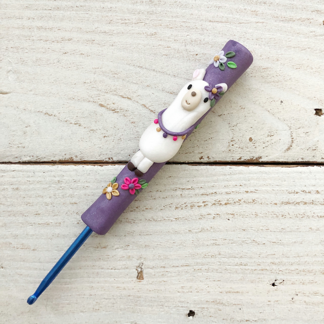 Purple llama ergonomic crochet hook