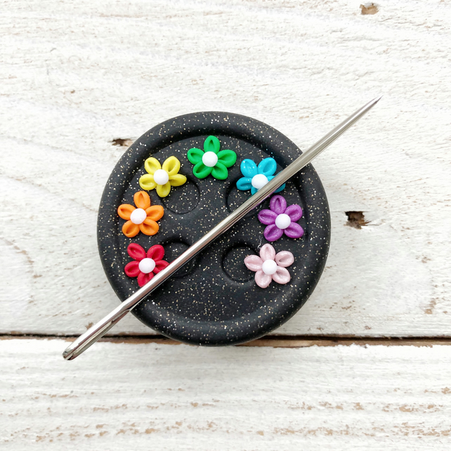 Flower button needle minder, magnetic needle keeper