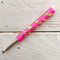 Neon pink and gold crochet hook, ergonomic crochet hook