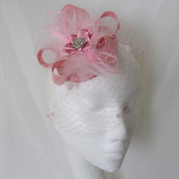 Dusky Rose Pink Vintage Style Veiled Fascinator Hat with Feathers