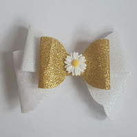 Lovely Alicia layered hair bow