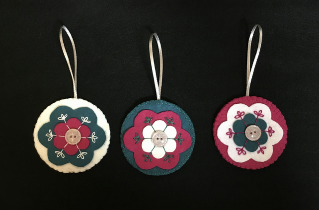 Set of 3 Nordic Style Felt Flower Christmas Bauble Decorations Cerise Teal White