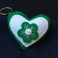 Green and White Felt Flower Button Heart Keyring Bagcharm