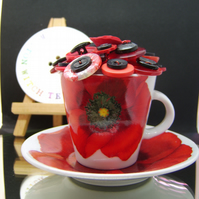 Poppy tea cup and saucer 'LEST WE FORGET'