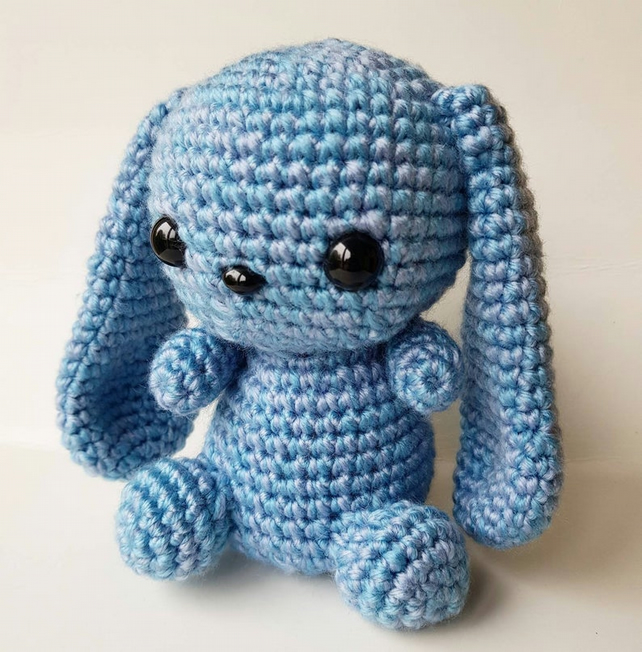 Ravelry: Baby Bunnies pattern by June Gilbank | 653x642