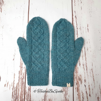 Women wool mittens Hand knit mittens Winter luxury gloves Warm classic mittens
