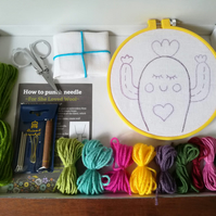Cute little cactus punch needle wall hanging kit - DIY