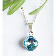 Beautiful sterling silver and Swarovski Elements aquamarine crystal necklace
