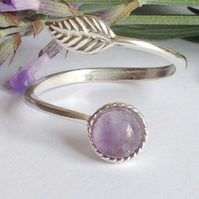 Beautiful Sterling Silver and amethyst leaf ring