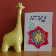 Greeting card with pink edged crochet flower - No. 02