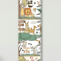 Personalised Height & Growth Chart - At the Zoo - Luxury material & hanger